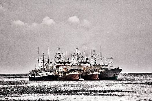 Four old souls out to Sea 3 by JM Photography