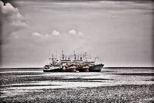 Four old souls out to Sea by JM Photography