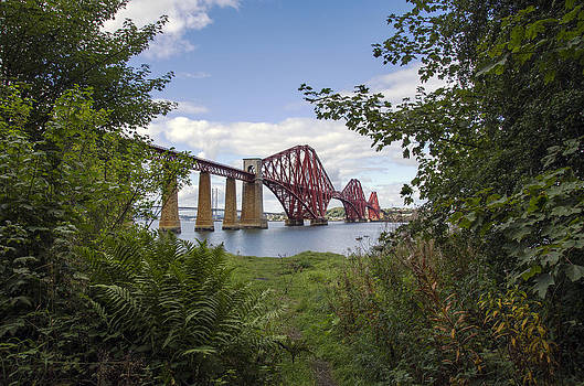 Ross G Strachan - Framing the Forth Bridge
