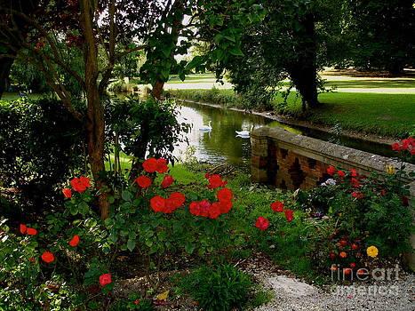 Danielle Groenen - French Chateau Garden