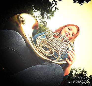 Allicat Photography - French Horn Below