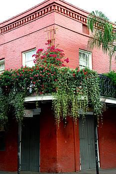 French Quarter Garden   by Susie Hoffpauir