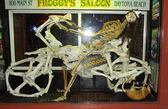 Linda Rae Cuthbertson - Froggys Saloon Daytona Beach