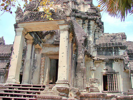 Roy Foos - Front Steps Entrance Angkor Wat