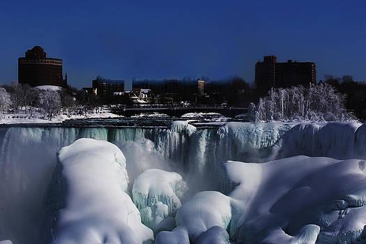 Frozen Niagra Falls by Jerome Lynch