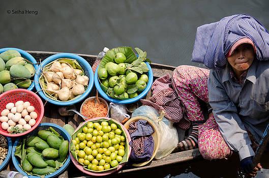 Fruits seller by Seiha Heng