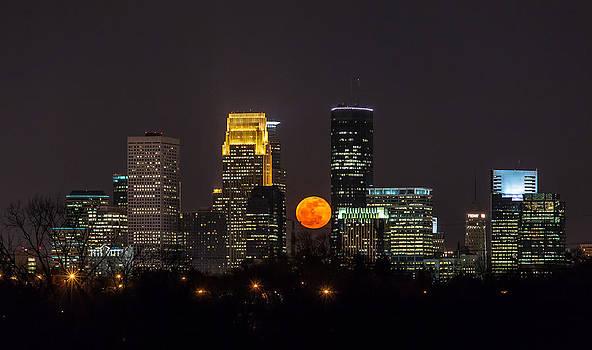 Full Moon Minneapolis by Steve Burns