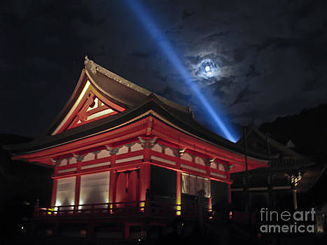 Full Moon Over Kiyomizu-dera by Suzanne Simpson