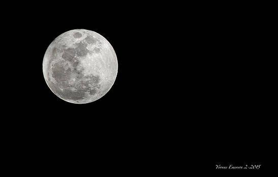 Full Moon by Yvonne Emerson AKA RavenSoul