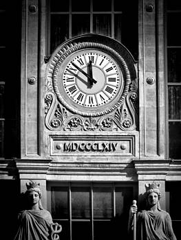Gare du Nord Time by Karen Lindale