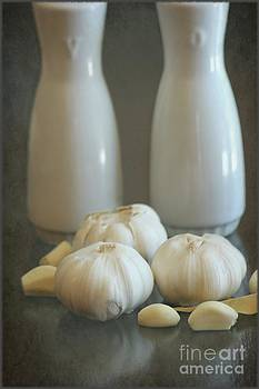 Sophie Vigneault - Garlic Vinegar and Oil