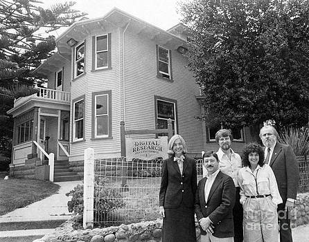 California Views Archives Mr Pat Hathaway Archives - Gary Kildall  his wife Dorothy Digital Research Inc. Photo outside 801 Lighthous Pacific Grove 1980