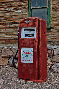 Gas Pump by Arnold Despi
