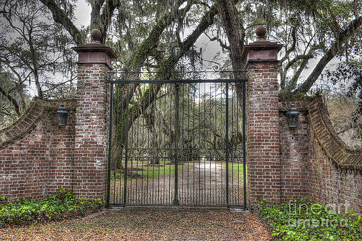 Dale Powell - Gates of Fenwick Plantation