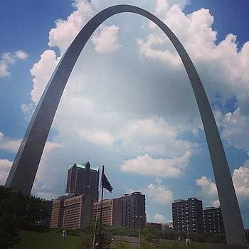 Gateway Arch by Dan Mason