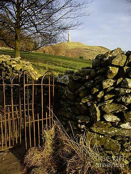 Malcolm Suttle - Gateway to Hoad Hill