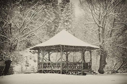 Scott Wheeler - Gazebo in Falling Snow