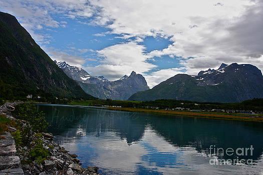 Geiranger-Trollstigen. Norway.  Precious memories never fade. Andrzej Goszcz. by  Andrzej Goszcz