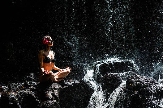 Jenny Rainbow - Getting in Touch with Whole Universe. Anna at Eureka Waterfalls. Mauritius