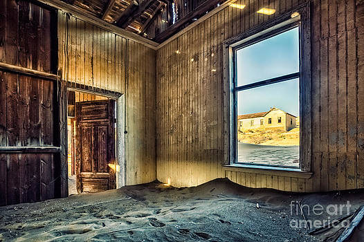 Katka Pruskova - Ghost Town 166