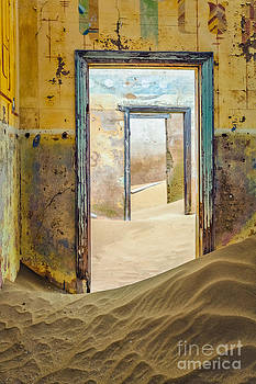 Katka Pruskova - Ghost Town 300