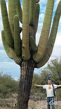 Feile Case - Giant Ancient Saguaro Case 2011 01 San Manuel Arizona