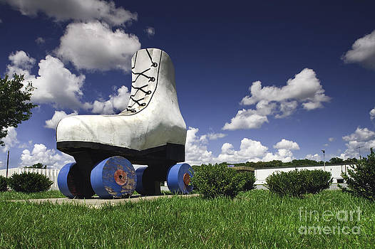 Giant roller skate  by Thomas Sauerwein