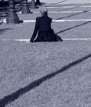 Lorraine Devon Wilke - Girl Between Shadows