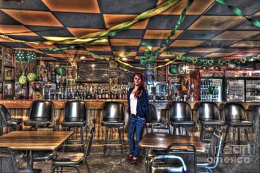 Dan Friend - Girl in bar