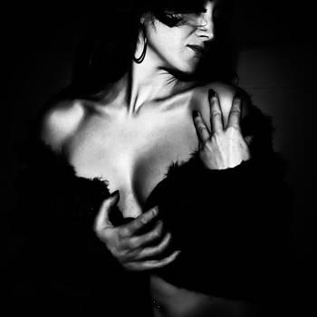 Girl in BN by Franco Farina