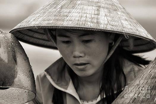 Chuck Kuhn - Girl Vietnamese