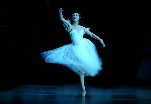 Giselle by CUBAN CLASSICAL BALLET OF MIAMI by Gilberto Gutierrez