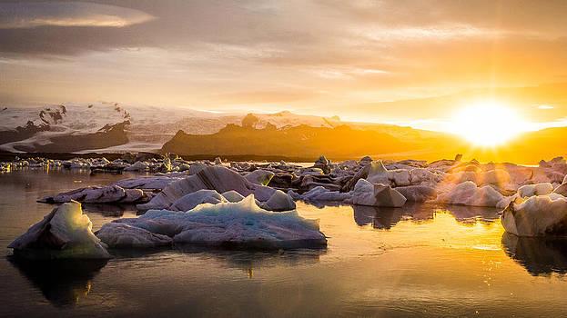 Francesco Riccardo  Iacomino - Glacier Sunset