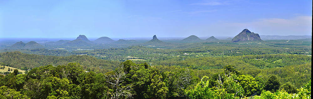 Glass House Mountains by Terry Everson