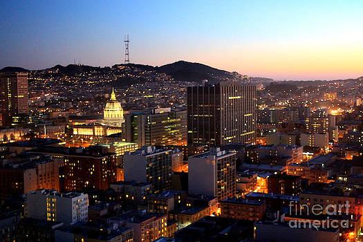 Danielle Groenen - Glowing Lights of San Francisco
