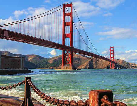 Golden Gate Bridge by Robert  Aycock