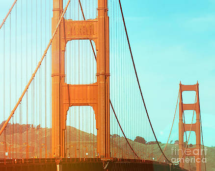 Sonja Quintero - Golden Gate Sunrise