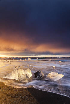 Golden Ice by Marilar Irastorza