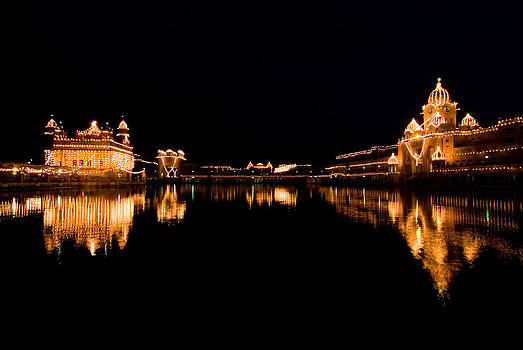 Devinder Sangha - Golden Temple Complex at night