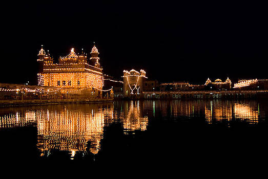 Devinder Sangha - Golden Temple reflected in water