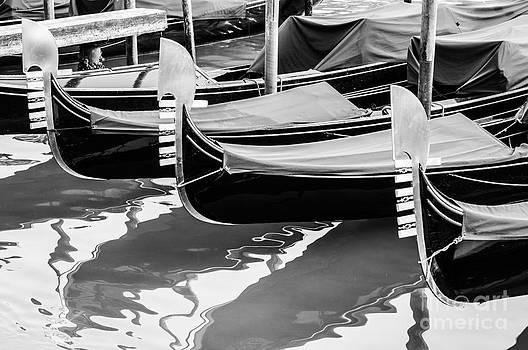 Gondolas by Luis Alvarenga