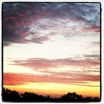 Good #morning! #sunrise #sky #clouds by Greta Olivas