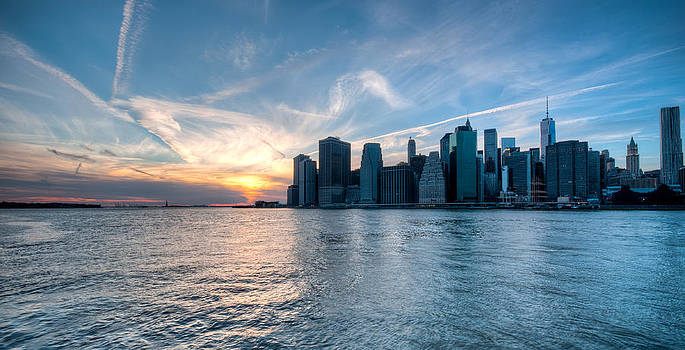 Good Night NYC by Ramon Nuez
