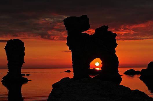 Gotland's majestic raukar by Eliot Freed