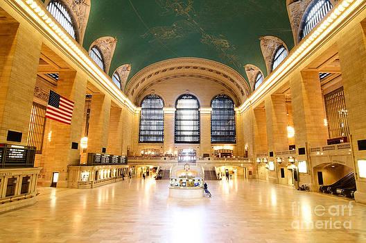 Oscar Gutierrez - Grand Central Station