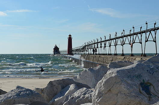 Grand Haven Lighthouse by Jennifer  King