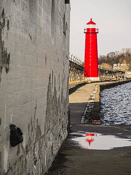 Grand Haven Lighthouse by Kirsten Dykstra