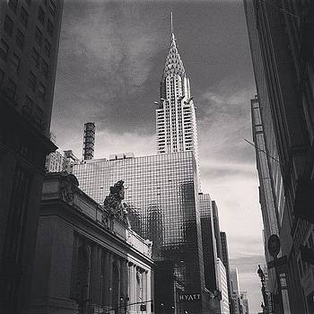 #grandcentral #chryslerbuilding #nyc by Matthew Tarro