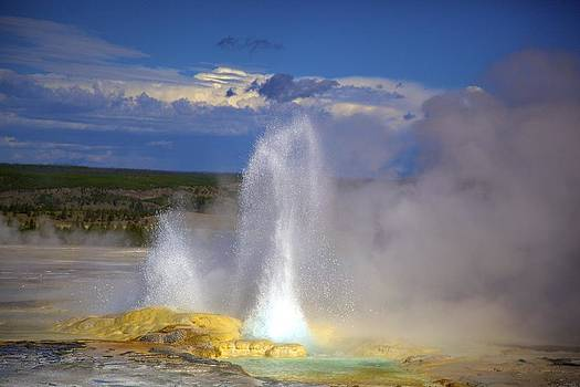 Great Fountain Geyser by Terry Horstman