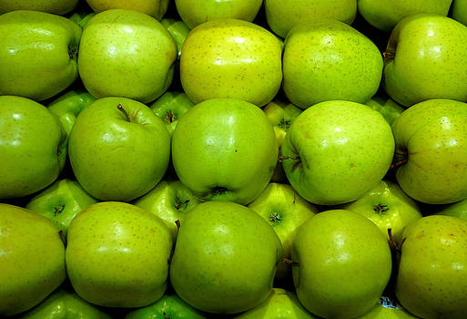 Robert Meyers-Lussier - Green Apples